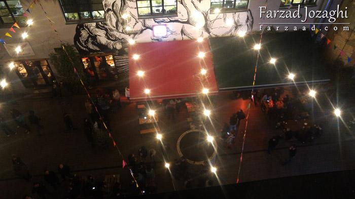 جشن در حیاط هاستل فابریکا - شب اول