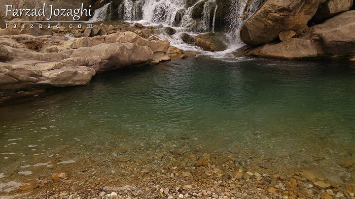 آب تمیز و شفاف آبشار شوی